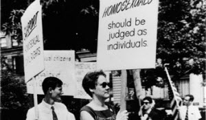 Barbara Gittings picketing the White House in 1965, photo taken by Kay Tobin Lahusen
