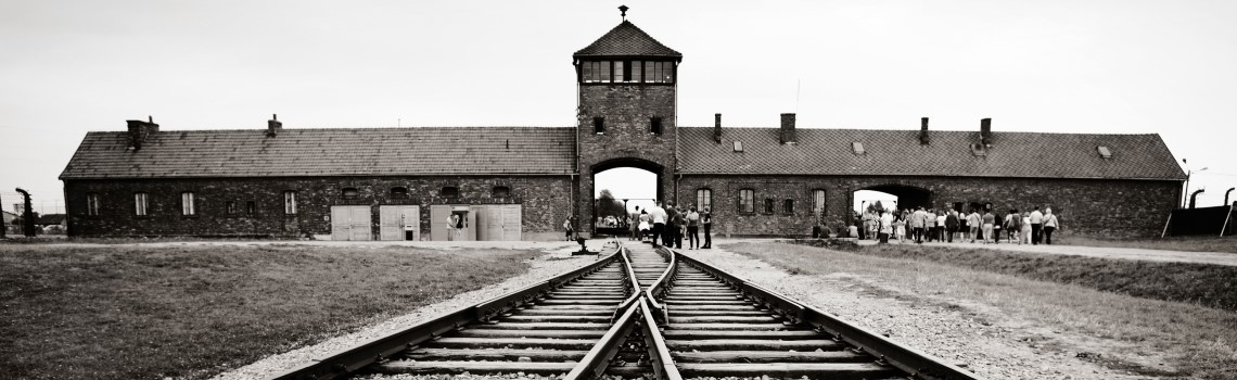 5 Ways to Research and Learn About the Holocaust